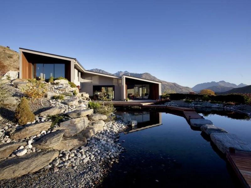 Lake hayes modern home with spectacular views for Modern new zealand homes