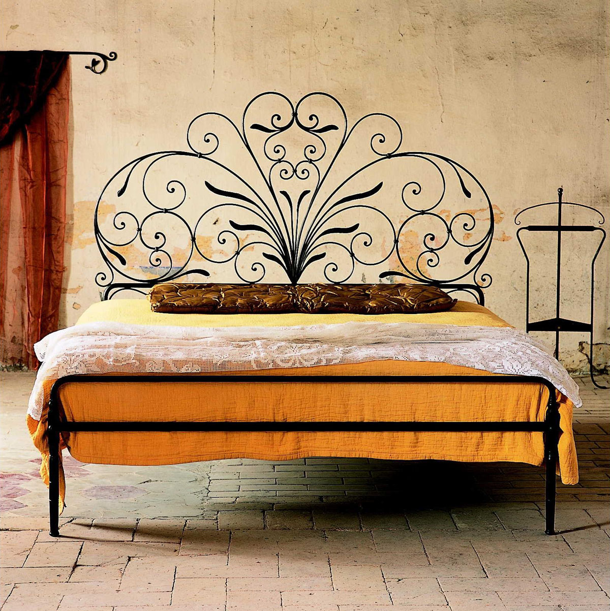 Tuscan beds design ideas idesignarch interior design for Old world style beds